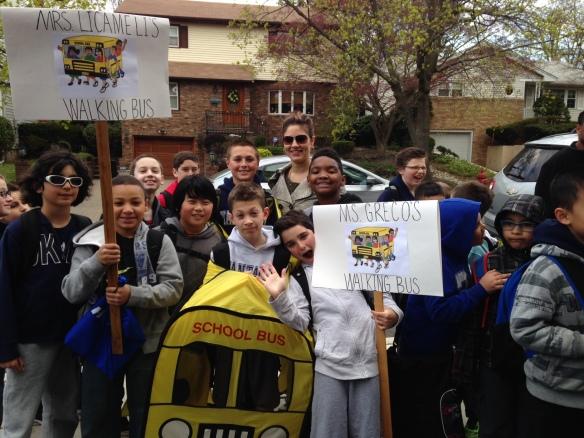 Yantacaw Walks Students Arrive at School 042314