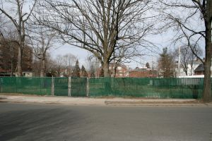 The empty lot before the Early Street Community Garden was established.