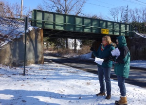 BRRR-UC Environmental Specialist Betty Ann Kelly and Judy Mandelbaum discuss plans at the trailhead